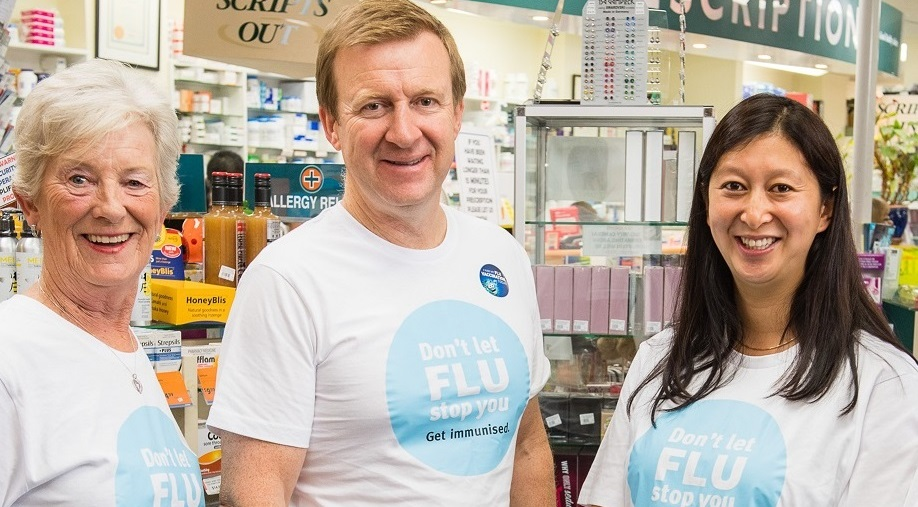 0406-left-to-right-Jennifer-Bennett-Health-Minister-Jonathan-Coleman-Canary-Lim-and-Sue-Hemmingson-at-the-Unichem-Miramar-Pharmacy-after-their-flu-vaccinations6